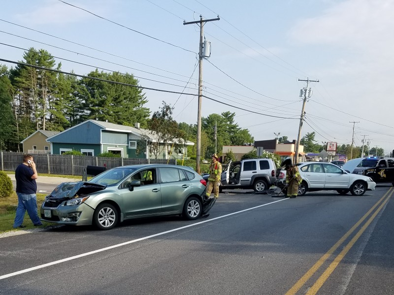 2 hurt in four-car chain reaction crash on Gonic Road