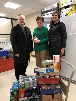 Leone, McDonnell & Roberts employees help boost holiday giving effort