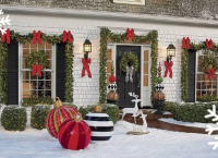 Online Christmas decorating contest will help make spirits bright