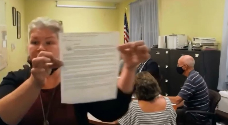 Selectwoman who helped push for chairman recall is censured by 3-2 vote