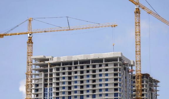Milton crane expert fears some will fall in Miami during Irma onslaught