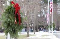 Eversource, its employees help out with Wreaths Across America effort