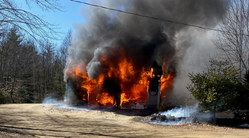 Farmington fire a mile down private dirt road a tough go for firefighters