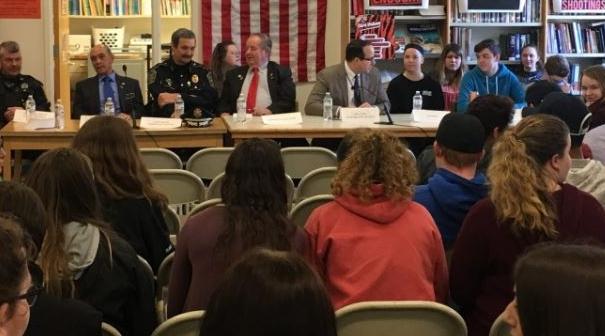 Student safety focus of forum at Farmington High