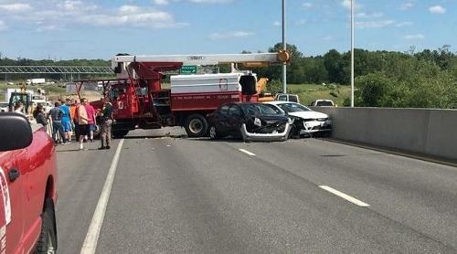 Traffic trauma: Jackknifed tree-cutting truck closes Gen. Sullivan during rush hour