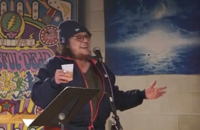 Former standup comic shakes off the cobwebs at Lebanon club