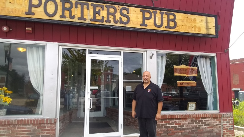 Porter's Pub looks to carve out neighborhood bar niche