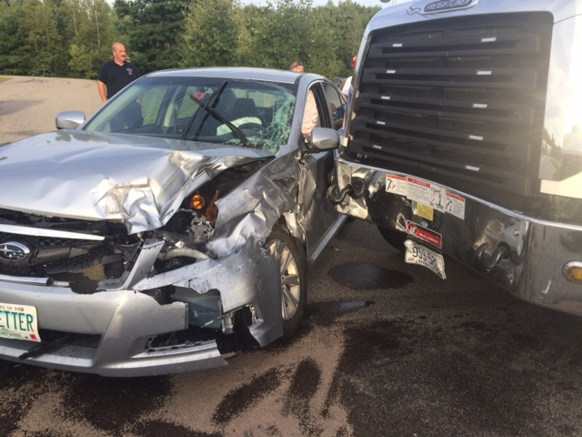 Farmington man hurt in collision with Freightliner truck