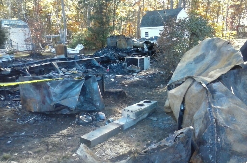Mobile home fire's destruction thwarts investigators' search for cause
