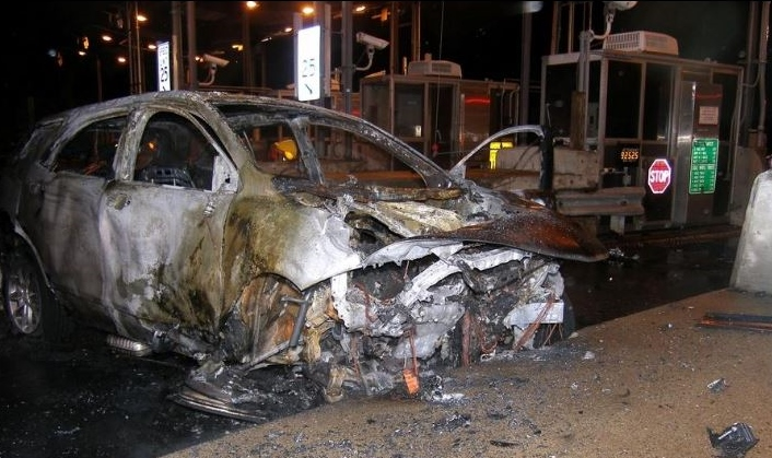 Rochester man, 39, dies in fiery crash at Dover toll plaza