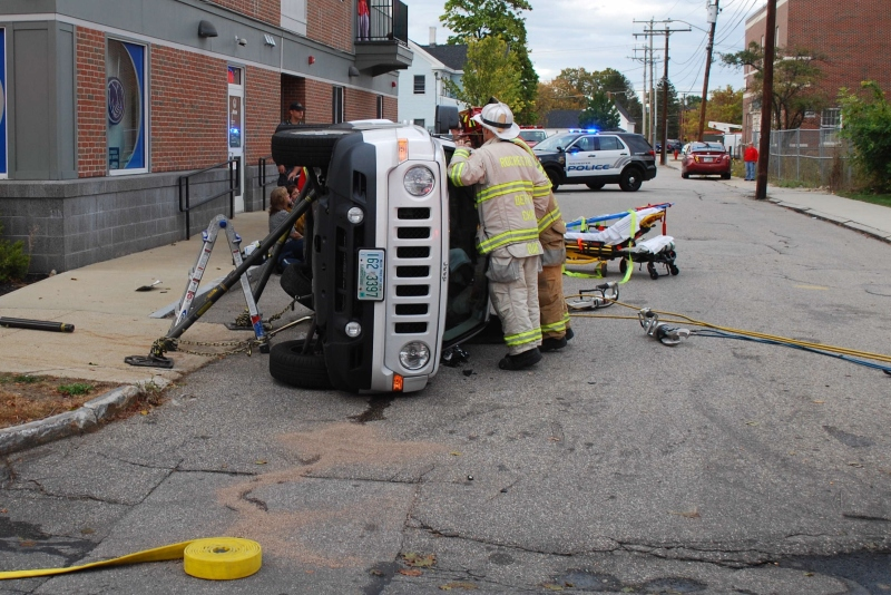Rochester man injured in downtown rollover crash