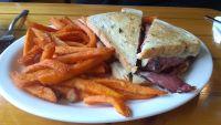 Sweet Memories serves up some decent food, but service was subpar