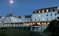 Want an experience of a lifetime working at an historic hotel on a N.H. island?