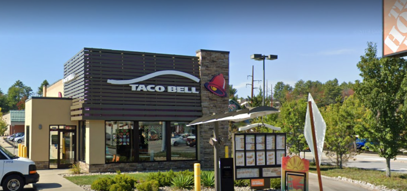 Taco Bell evacuated after Monday night bomb scare