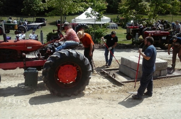 Tractor Club competition 'pulls' 'em in from all over