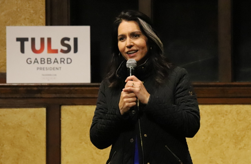 At the Castle, Tulsi draws a diverse political crowd that wanted to hear more